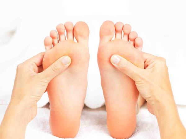 reflesoloji ayak masajı